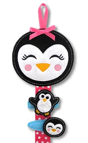 Girly Penguin Clippie Keeper