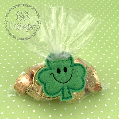 Smiley Shamrock Treat Bag Topper