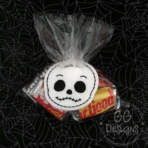 Skeleton Head Treat Bag Topper